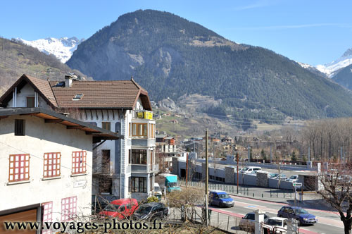vue sur les montagnes bourg saint maurice photos de la savoie. Black Bedroom Furniture Sets. Home Design Ideas