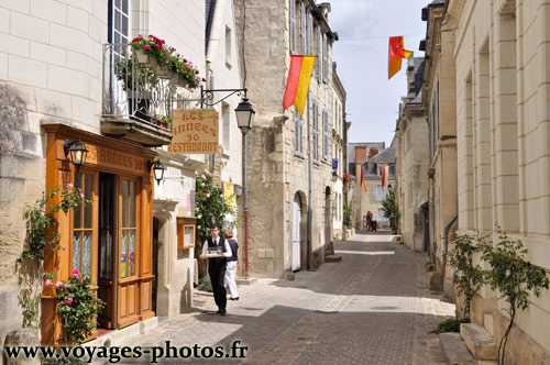 rue commer ante du centre ville de chinon indre et loire. Black Bedroom Furniture Sets. Home Design Ideas