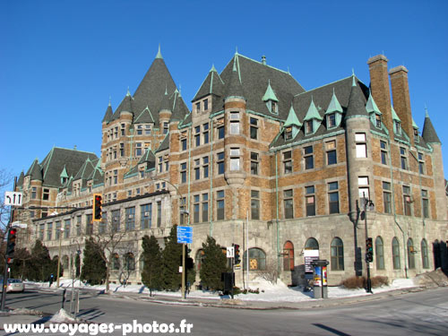 Le vieux-montréal est un quartier historique de la ville de montréal