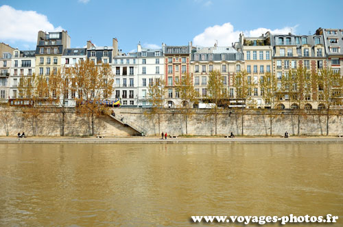 quai de la seine de paris paris en photos. Black Bedroom Furniture Sets. Home Design Ideas