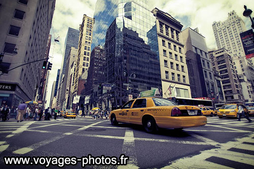 Taxi entre les buildings