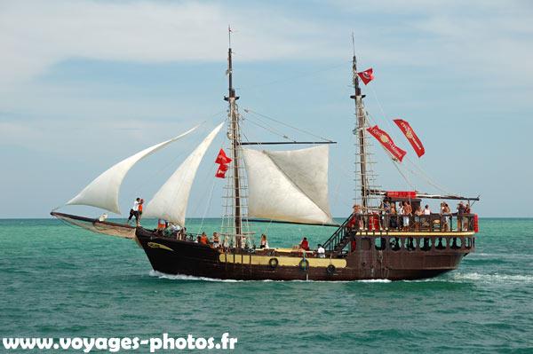 Bateau pirate bing images - Image bateau pirate ...